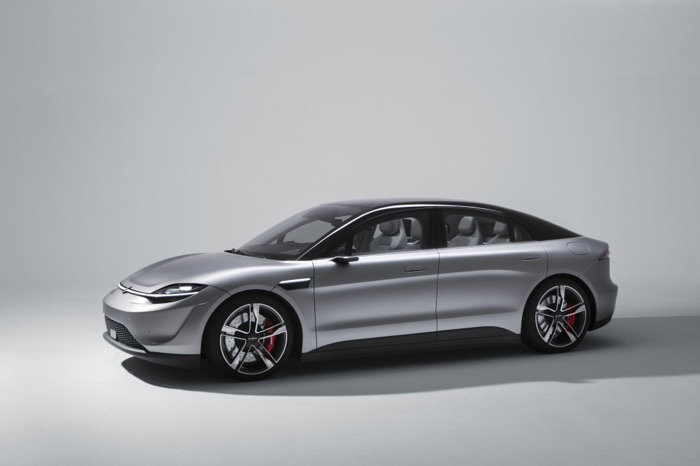 SONYがまさかの電気自動車、コンセプトカー「Vision-S」を発表